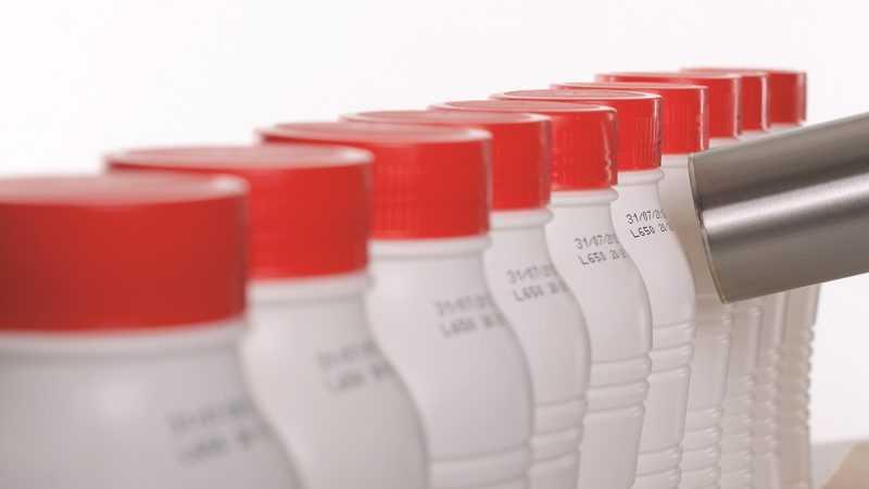 Houdbaarheidsdatum en batchcode FMCG beverage