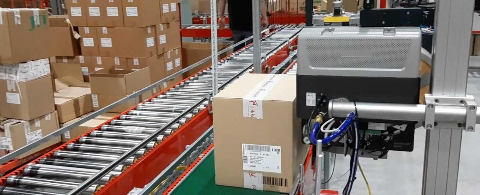 voorkant doos etiketteren
